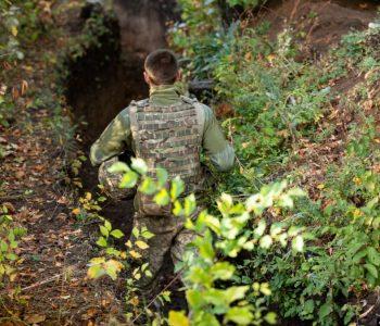 Cитуація на Донбасі: 15 обстрілів з боку бойовиків, один поранений український військовий