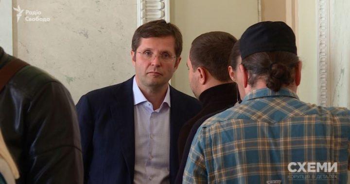 Депутат Холодов пригрозив «Схемам» судом і заявив, що бізнес продав – але не сказав, кому