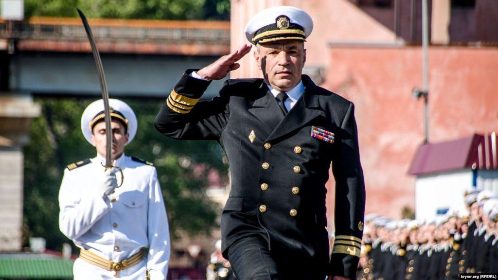 Макрон нагородив командувача ВМС України орденом «За заслуги»