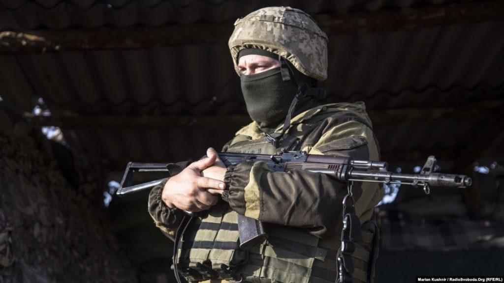 Міноборони: бойовики обстріляли військових під Старогнатівкою