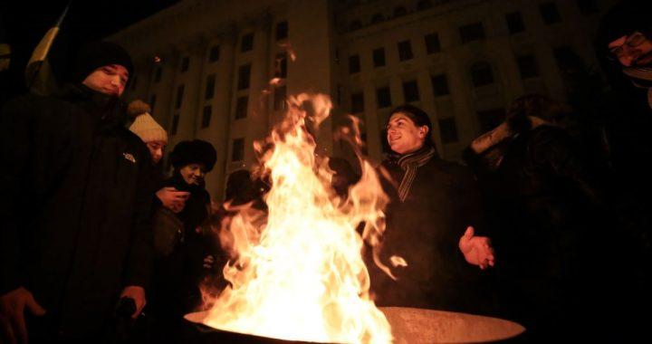 Як у Києві «проводжали» Зеленського на «нормандські» переговори – фотогалерея