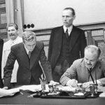 Пакт Молотова-Ріббентропа