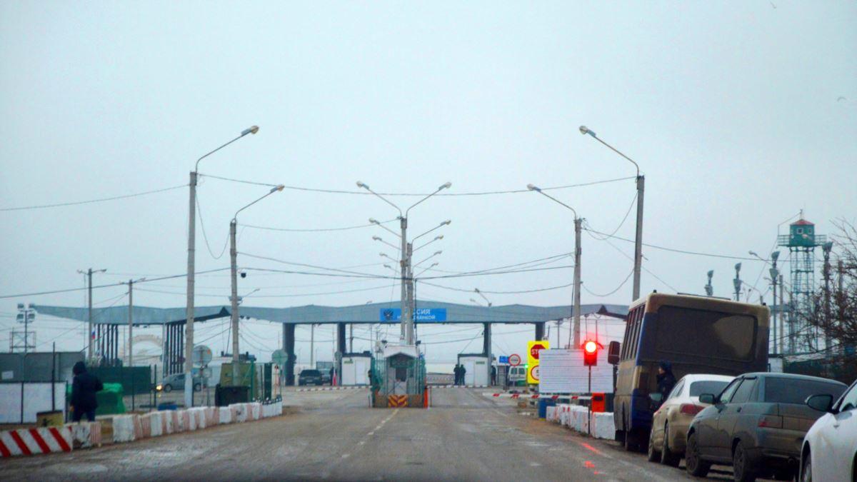 На адмінкордоні з анексованим Кримом ФСБ затримала кримського татарина – активісти