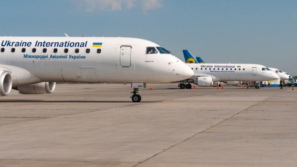 Україна веде переговори з різними країнами про відновлення авіаперевезень