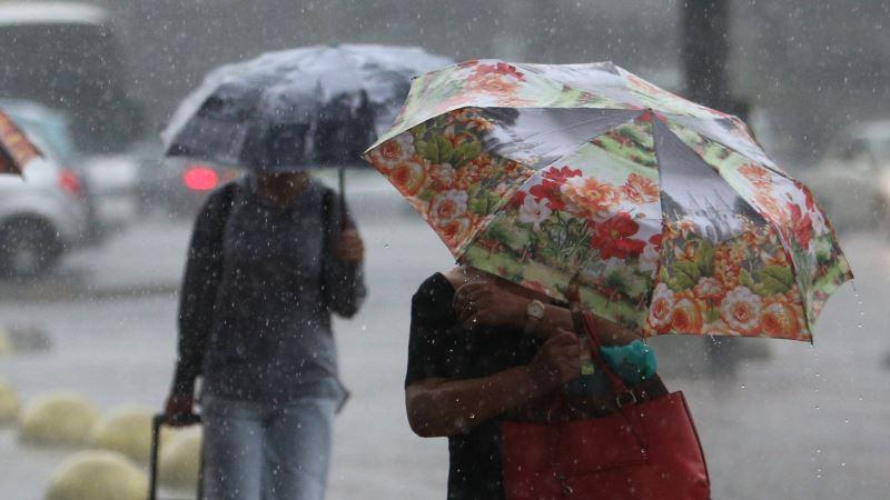 На заході та півдні України новий тиждень почнеться з дощів та грози – Укргідрометцентр