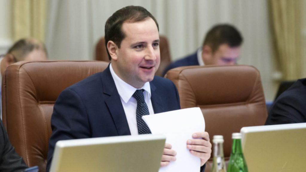 Колишній міністр відкидає звинувачення в плагіаті в його дисертації