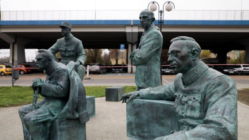 Пам'ятник Симону Петлюрі у Польщі вшановує народи, які воювали із більшовицькою Росією