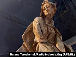 Скульптура Пінзеля «Свята Анна»