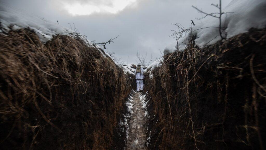 ООС: бойовики двічі порушили режим тиші на Донбасі, втрат серед українських військових немає