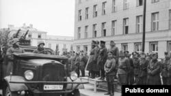 Спільний радянсько-нацистський військовий парад , Брест-Литовськ, Польща. 17 вересня 1939 року