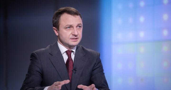 «Це катастрофа»: дві третини серіалів на українському ТБ транслюють російською – омбудсмен