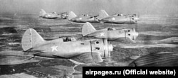 Найбільш розповсюдженим в радянській армії за часів дідусевого навчання був винищувач І-16, який льотчики звали «ішак»
