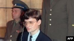 СРСР, 4 вересня 1987 року. 19-річний приватний пілот Західної Німеччини Матіас Руст обвинувачений на суді у Москві