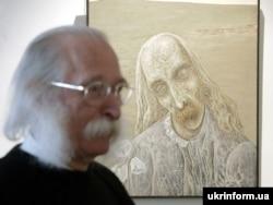Іван Марчук біля свого автопортрету