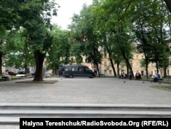 Площа Маланюка