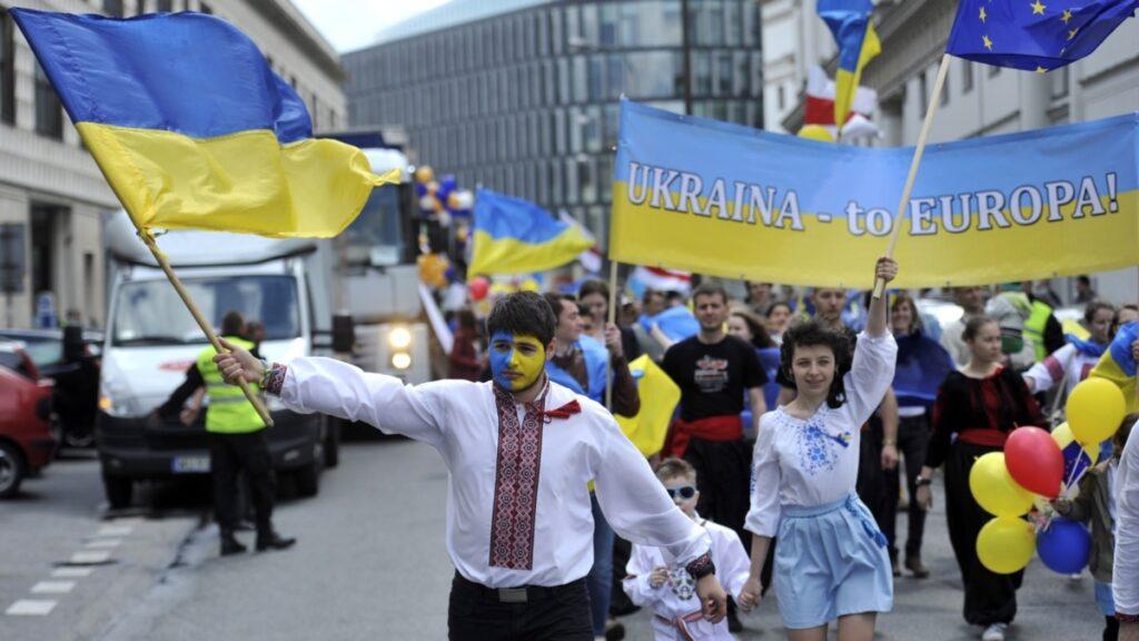 В Інституті нацпам'яті відновлення пам'яток дружби України та Росії назвали «цинічним актом»
