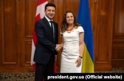 Президент України Володимир Зеленський і міністр закордонних справ Канади Христя Фріланд. Торонто, 2 липня 2019 року