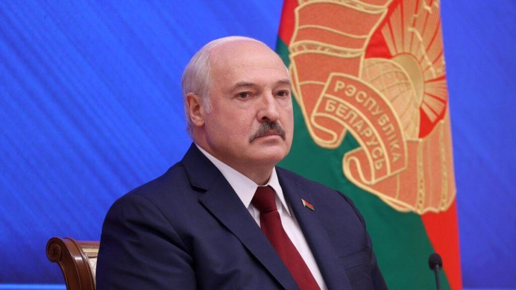 Лукашенко про С-400: «1200 кілометрів кордону з Україною