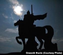 Пам'ятник князю періоду України-Русі Ігорю Святославичу (1151–1202) у Станиці Луганській, що біля Луганська